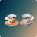 Чашки с блюдцами, чайники Какой должна быть посуда для кофеЛюбить кофе – значит уметь наслаждаться его приятным ароматом и оригинальным вкусом. Чтобы подчеркнуть изысканность напитка и сделать удовольствие более ярким, нужно купить правильную посуду. Обычные чайные приборы не подойдут. Кофе следует пить из ...